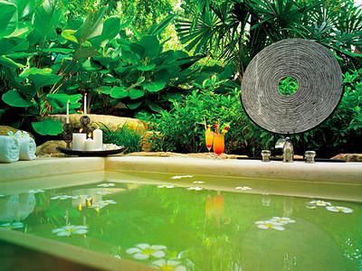 Phulay Bay beach villa outdoor tub