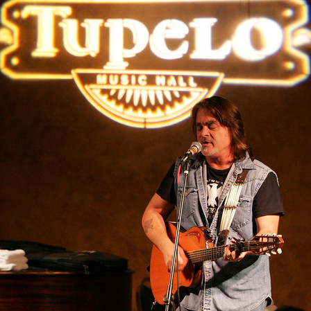 "Londonderry: Hal Ketchum played to a packed house Wednesday evening at the Tupelo Music Hall in Londonderry, as a part of the ""Heart"" series of concerts.<br /> Photo by Jarrod Thompson/Eagle-Tribune Wednesday, October 04, 2006"