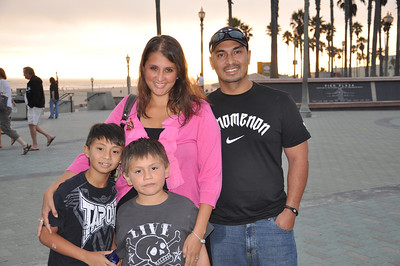 Army Staff Sergeant Robert and family attend a Poppy's Wish American Heroes Vacation in Huntington Beach, California.