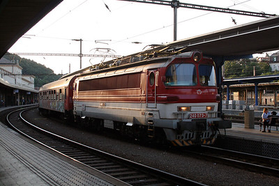 240 073 at Bratislava Hlavna Stanica on 6th August 2008 (1)