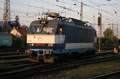 350 019 at Bratislava Hlavna Stanica on 6th August 2008 (3)