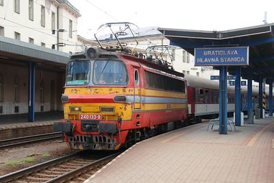 240 133 (91 56 6240 133-9 SK-ZSSK) at Bratislava Hlavna Stanica on 2nd July 2015 (2)