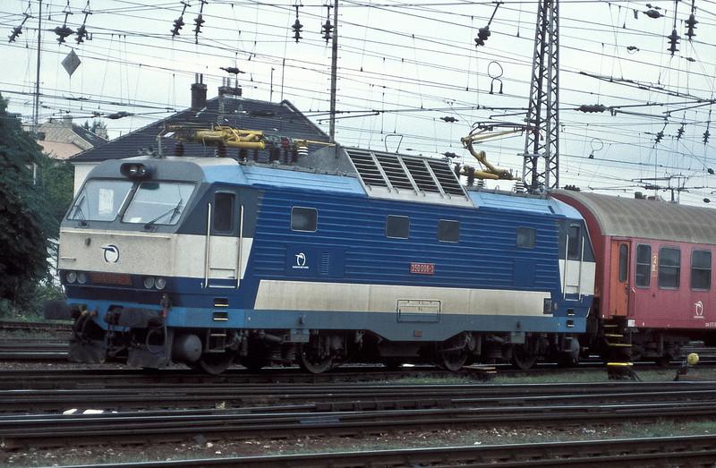'Gorilla' 350-006 pulls into Bratislava HS on 21 September 2005