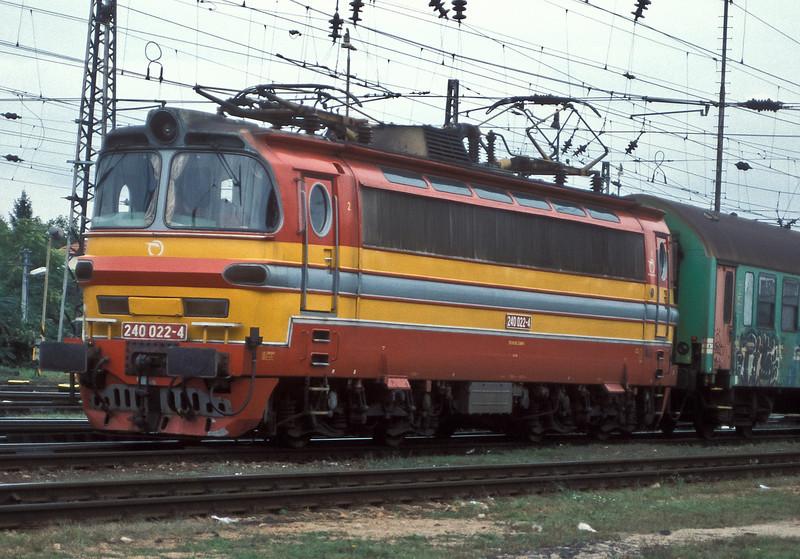 ZSSK 240-022 arrives at Bratislava HS on 21 September 2005