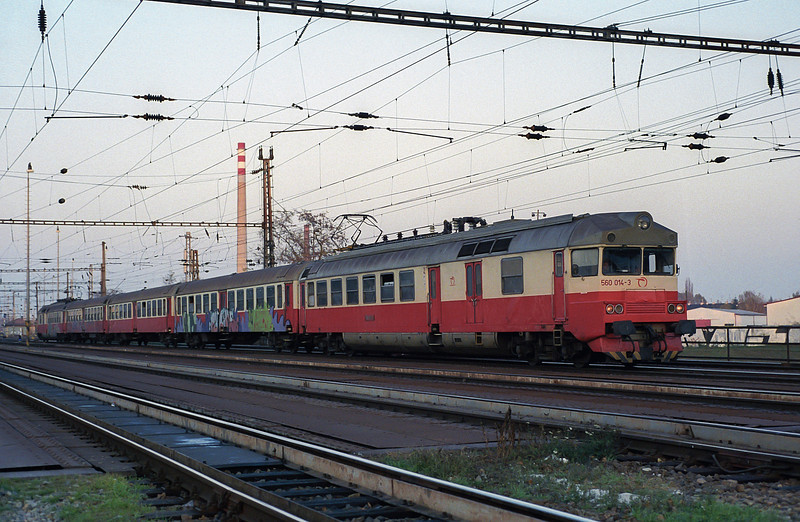 ZS 560-014 leaves Breclav with a local service for Kuty on 7 November 2006