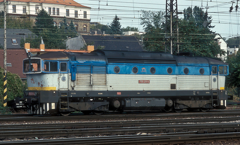 Just got the camera out of the bag when ZS 750.201 ran through Bratislava Hlavna Stanica on 10 October 2007. Good start!