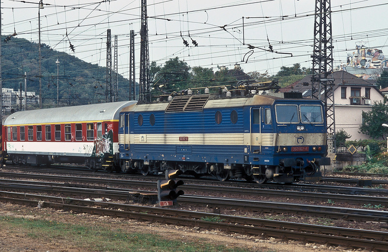 Leaving Bratislava HS with train R607 for Kosice on 10 October 2007 is ZS 363.107