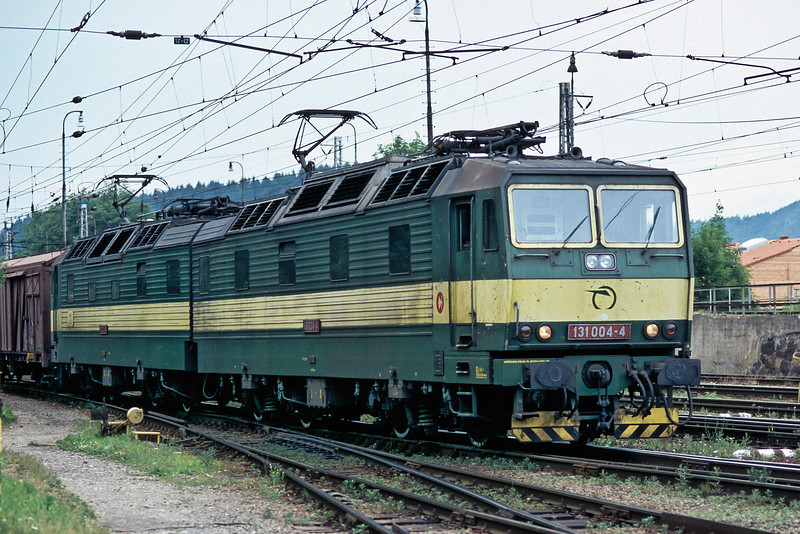 The first of one of the target classes to come in front of the camera - a 'double Skoda'. ZS 131.004 and 131.003 head east with a freight late in the afternoon on 26 June 2008 on their regular Zilina to Kosice stamping ground