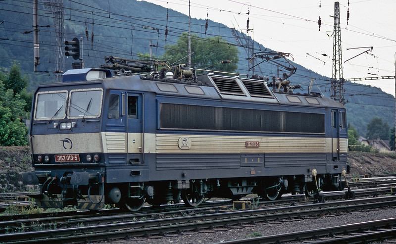 The new cab air conditioning system being fitted to some of the electric locos can be seen on ZS 362.013 at Zilina on 26 June 2008