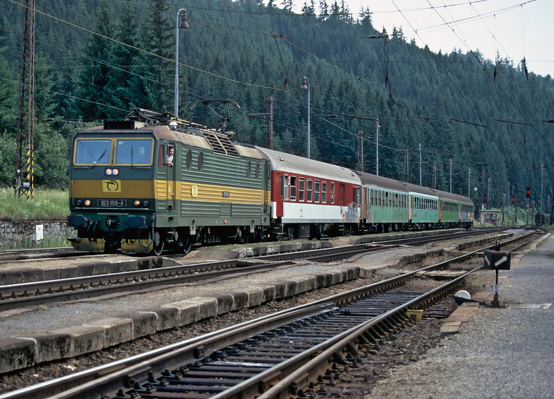 ZS 163.108 pauses at Vychodna with train Os7815 to Kosice but on 27 June 2008 business is very slack