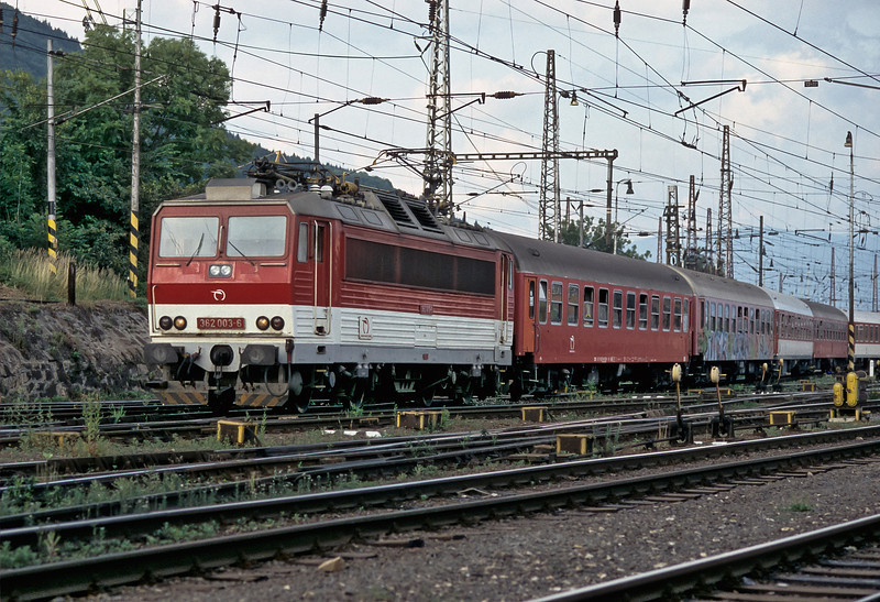 ZS 362.003 departs from Zilina with R612 from Kosice to Bratislava on 27 June 2008