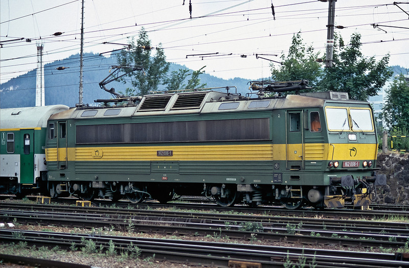ZS 162.006 arrives at Zilina on 26 June 2008 with the late running EC145 from Ostrava to Zvolen