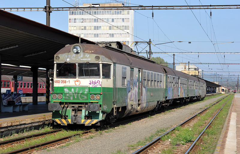 ZS 460-058 sits in the sunshine at Kosice on 27 September 2011