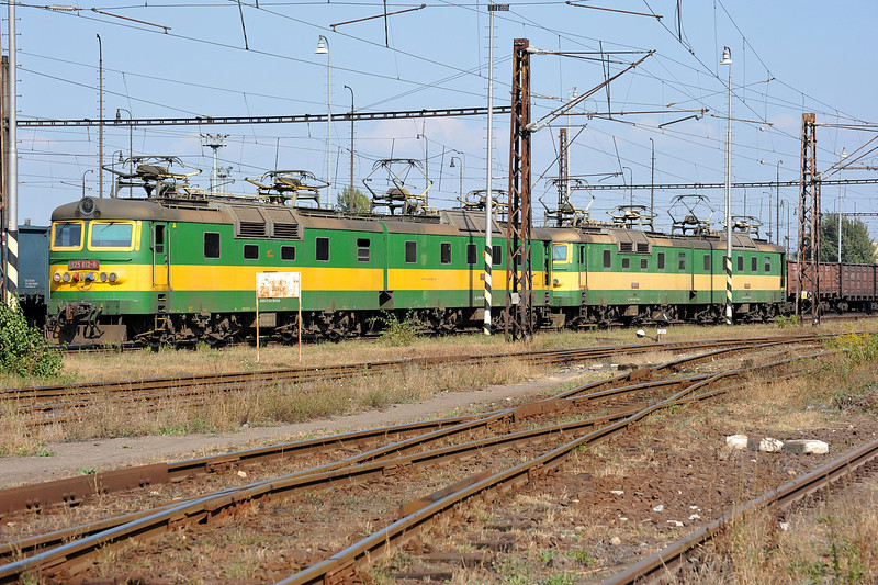 Paired up ready for work at Haniska pri Kosiciach on 27 September 2011 were ZS Cargo 125-812/811 and 125-802/801