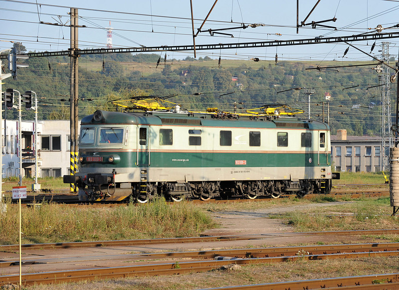 ZS Cargo 182-009 sparkles in the afternoon sun at Kosice on 27 September 2011