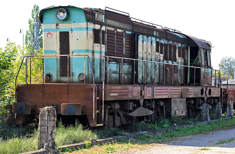 ZS 771-197 was dumped at the back of the depot yard at Cierna nad Tisou on 26 September 2011