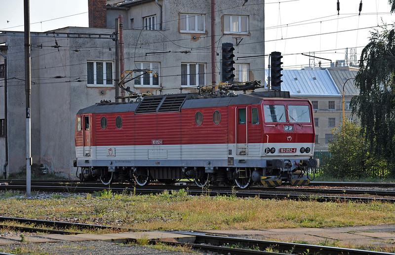 ZS 163-052 runs through Kosice on 27 September 2011