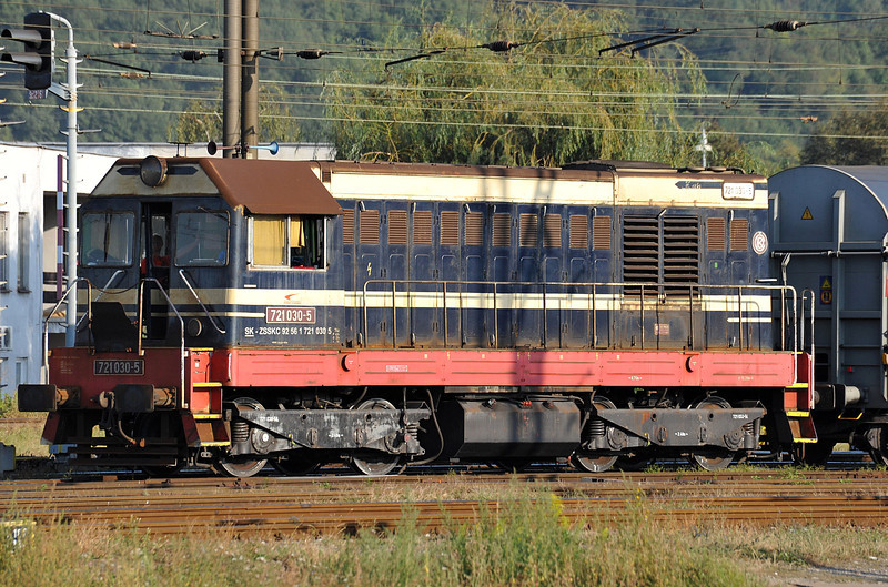 Shunting the marshalling yard at Kosice on 27 September 2011 is ZS Cargo 721-030