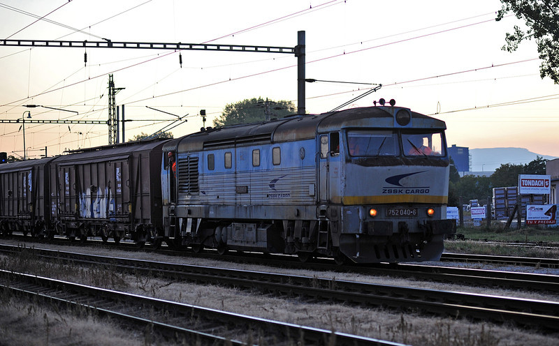 Late afternoon at Trebisov on 26 September 2011 and ZS argo 752-040 arrives with a freight
