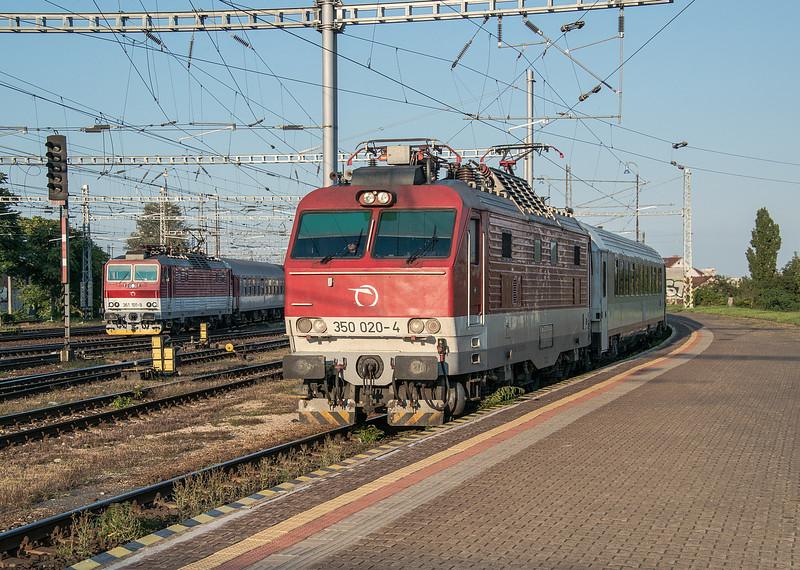 ZS 350-020 + 363-101 Bratislava Hlavni Stanica 28 August 2014