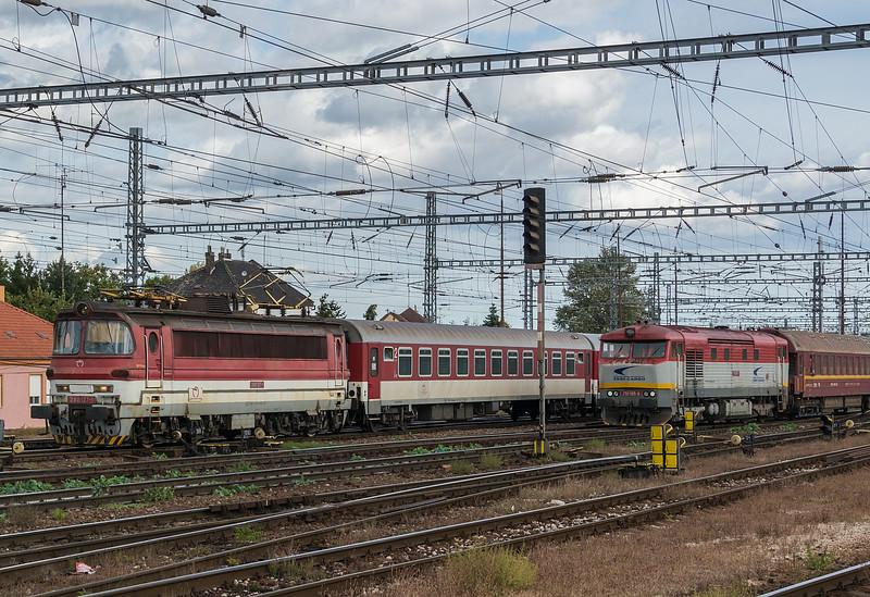 ZSSK 240-127 and 751-195 Bratislava 10 October 2019