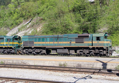 664 119 (92 79 2664 119-6) at Borovnica on 21st April 2015 (1)
