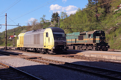 645 003 (ER20 003 or 92 80 1223 003-5 D-DISPO) at Borovnica on 21st April 2015 (13)