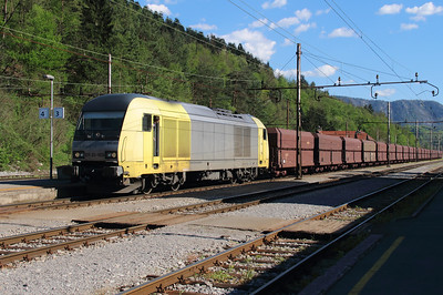 645 003 (ER20 003 or 92 80 1223 003-5 D-DISPO) at Borovnica on 21st April 2015 (6)