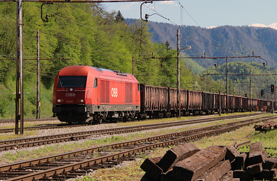 OBB, 2016 081 (92 81 2016 081-9 A-OBB) at Borovnica on 21st April 2015 (2)