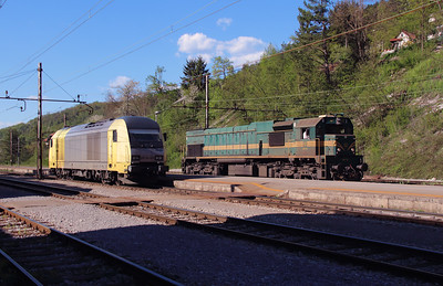 645 003 & 664 112 at Borovnica on 21st April 2015 (2)
