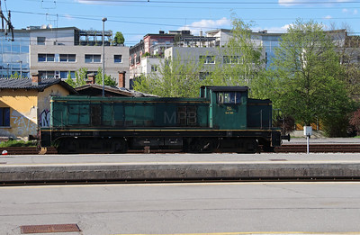 642 186 (98 79 2642 186-6) at Ljubljana on 21st April 2015