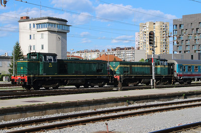 642 187 (98 79 2642 187-4) at Ljubljana on 21st April 2015 (2)
