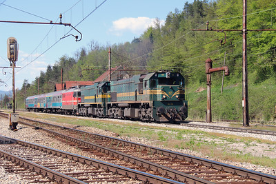 664 119, 664 103 & 342 022 at Borovnica on 21st April 2015 working MV483 (3)