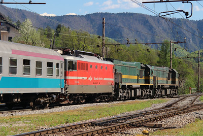 664 119, 664 103 & 342 022 at Borovnica on 21st April 2015 working MV483 (5)