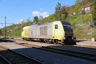 645 003 (ER20 003 or 92 80 1223 003-5 D-DISPO) at Borovnica on 21st April 2015 (11)