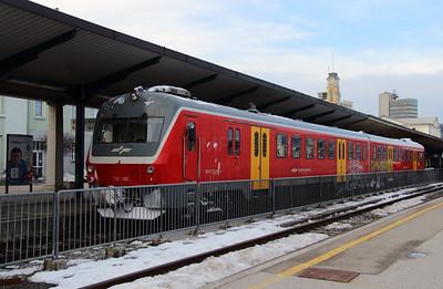 713 120 (95 79 7713 120-1) at Ljubljana on 25th January 2013