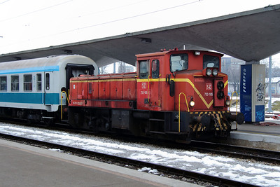 2) 732 185 (98 79 3732 185-7) at Ljubljana on 26th January 2013