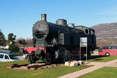 2) steam, 118 005 at Nova Gorica on 25th January 2013