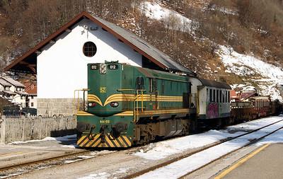 644 012 at Podbrdo on 25th January 2013