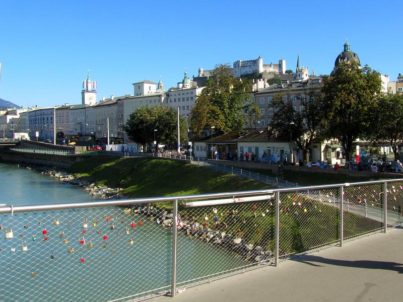 sweetheart paddle locks on walking bridge
