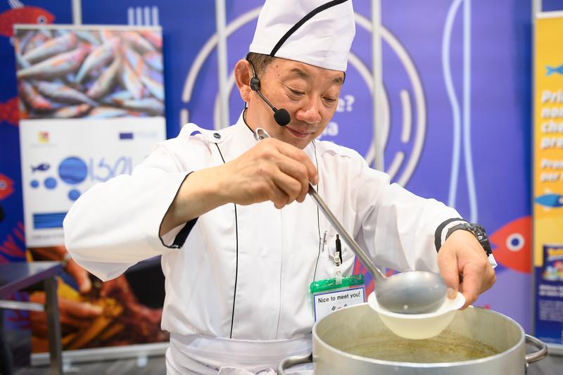 Sashimi e salse coreane