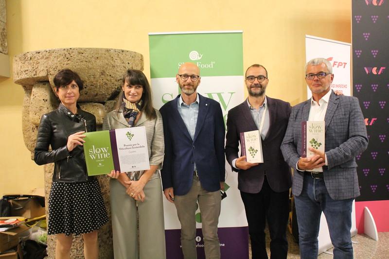 Premiati - Daniela Ropolo, FPT, premia Roberta e Alessandro Ceretto, con i curatori Giancarlo Gariglio e Fabio Giavedoni