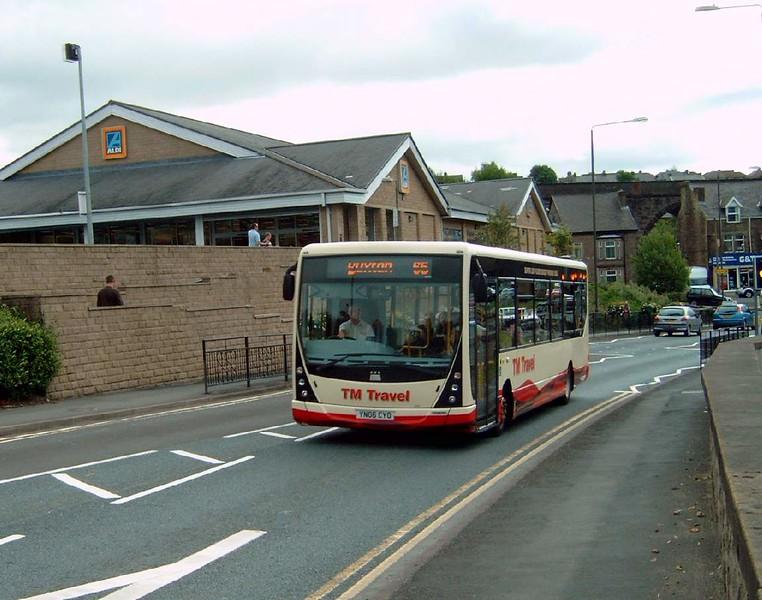 YN06CYO - Buxton (town centre)