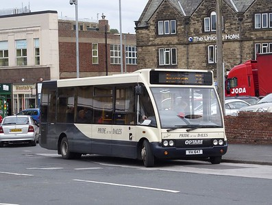 VIA1647 - Skipton (bus station)