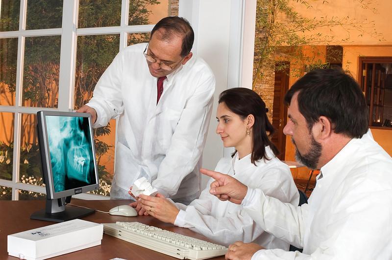 Estudo de caso pela equipe médica