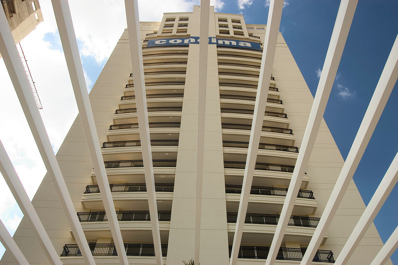 the plaza area externa 03jun05-alta