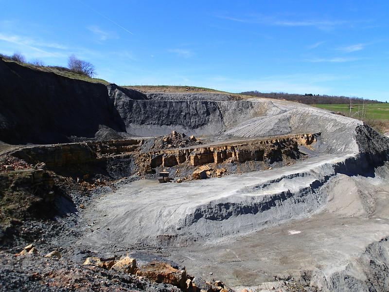 """Frick clay pit, """"Knollenmergel""""-hiatus-""""Insektenmergel""""-""""Arieten-Angulaten-Kalke""""-""""Obtusus-Tone""""-""""obliqua-Schichten"""" succession (Late Triassic to Early Jurassic), Switzerland<br /> <br /> Olympus TG-1"""