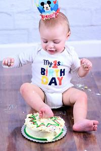 Wyatt 1 Year Smash the Cake