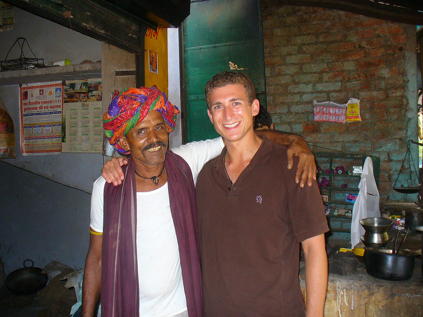 Today's daily smiles travel photo is of Wandering Earl (Derek Earl Baron) posing with an Indian Chai man (Tea Man) in Bundi, India.