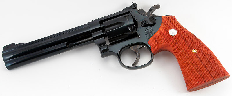 See, I told you there was a classic Smith & Wesson in there somewhere - I just had to shine it out. This gun dates to 1989 and was one of the very first runs of full-underlug Model 17s ever made.